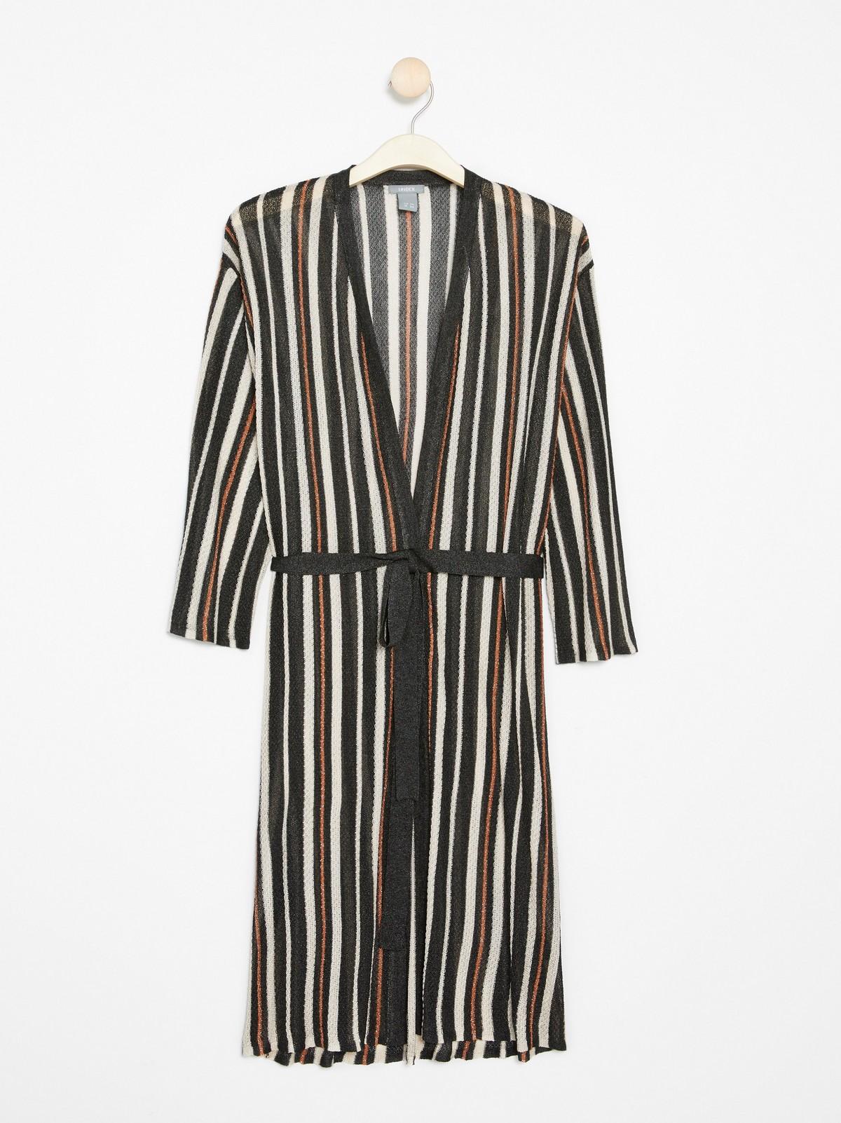Randig stickad klänning med knytskärp | Lindex