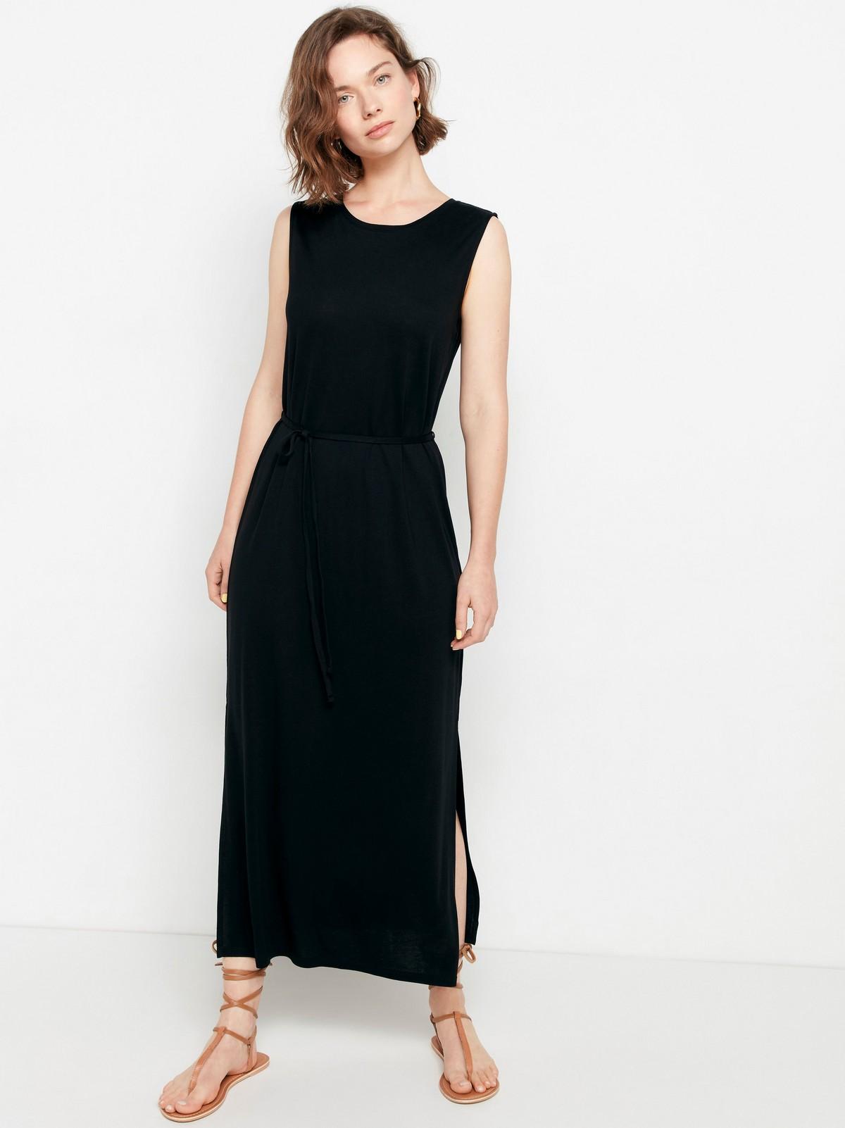 Ärmlös klänning i lyocellblandning
