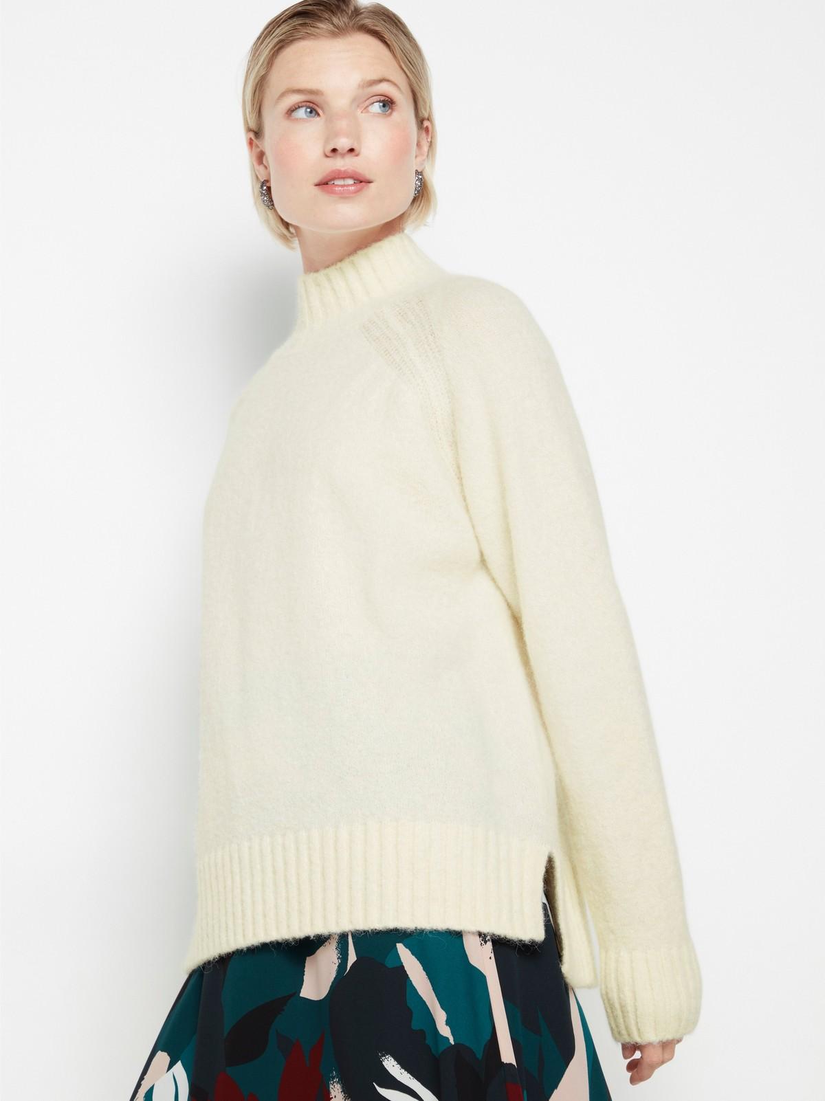 Stickad tröja i alpackablandning