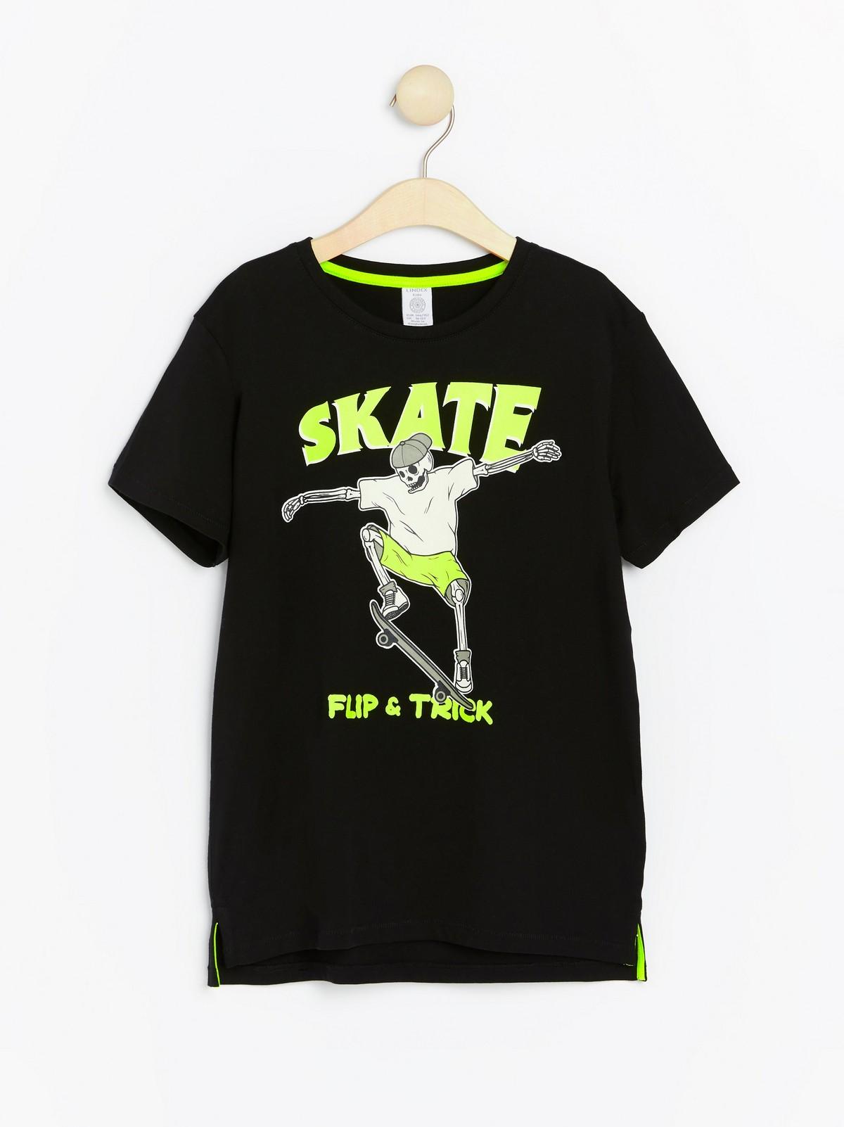 T skjorte med neonfarget trykk | Lindex