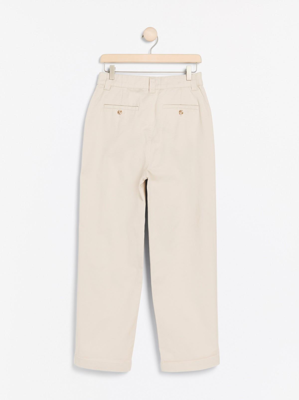 Bukse med høyt liv og vide ben