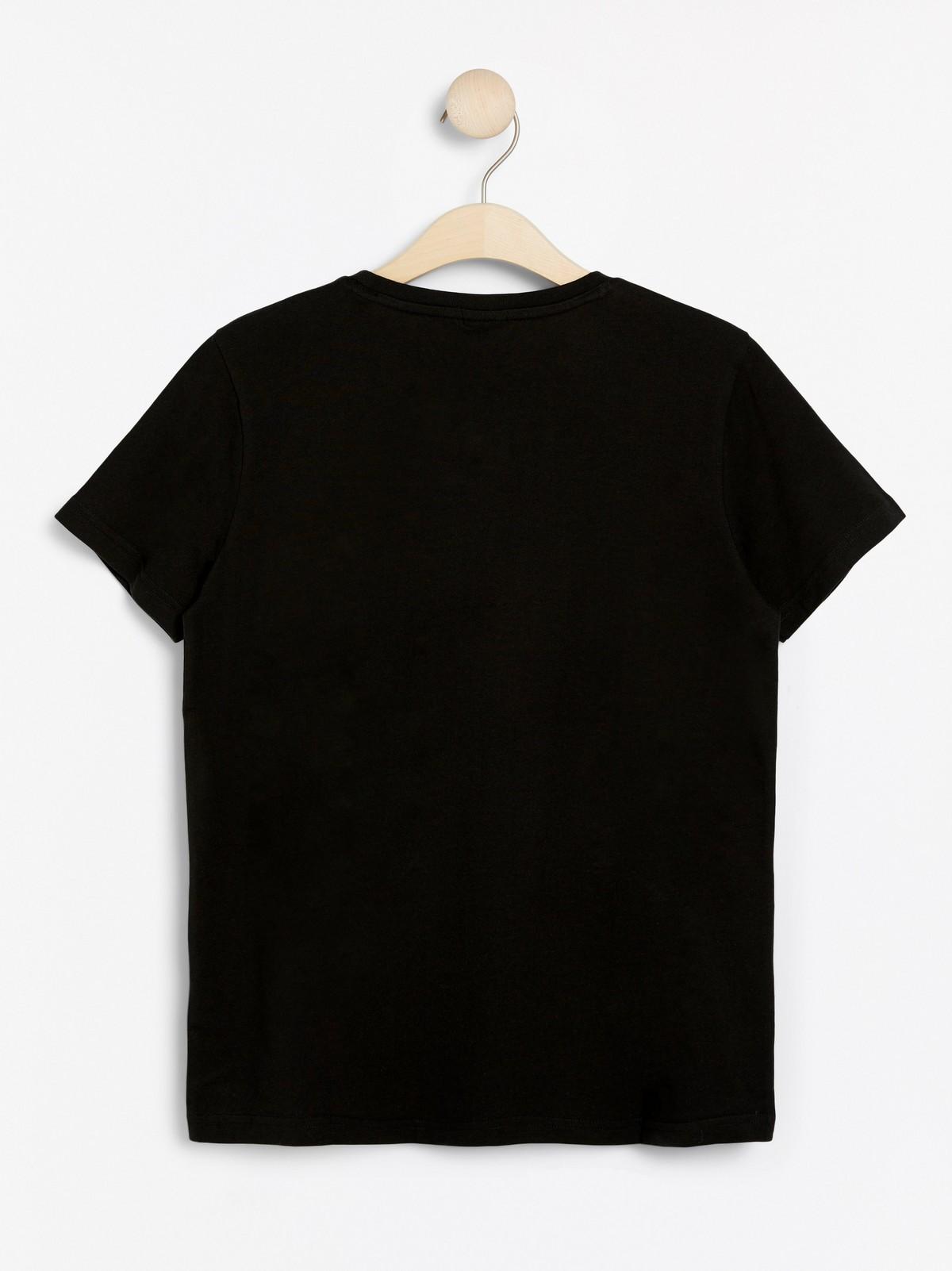 Svart T skjorte med Fortnite trykk   Lindex
