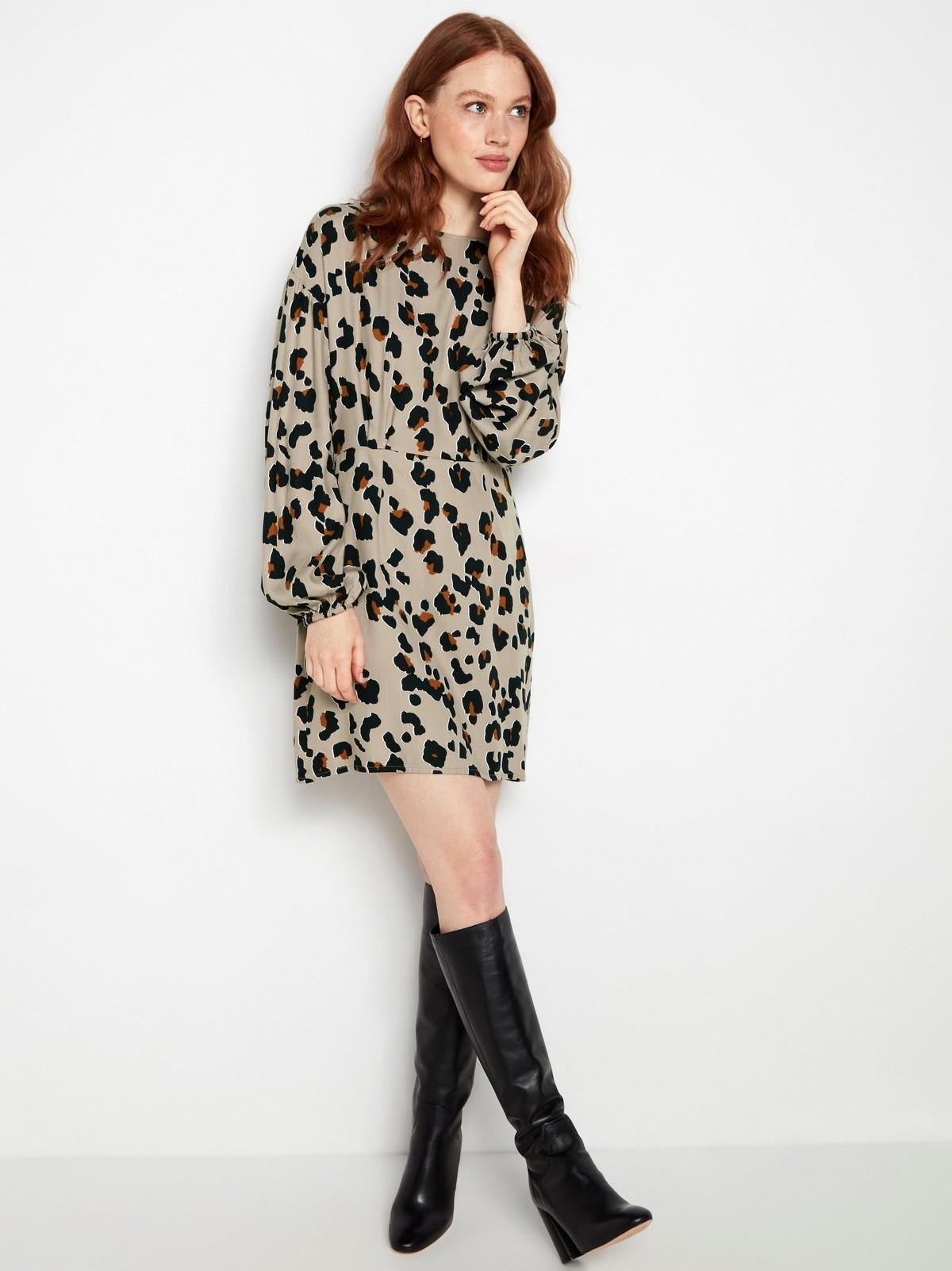 Leopardmönstrad långärmad klänning