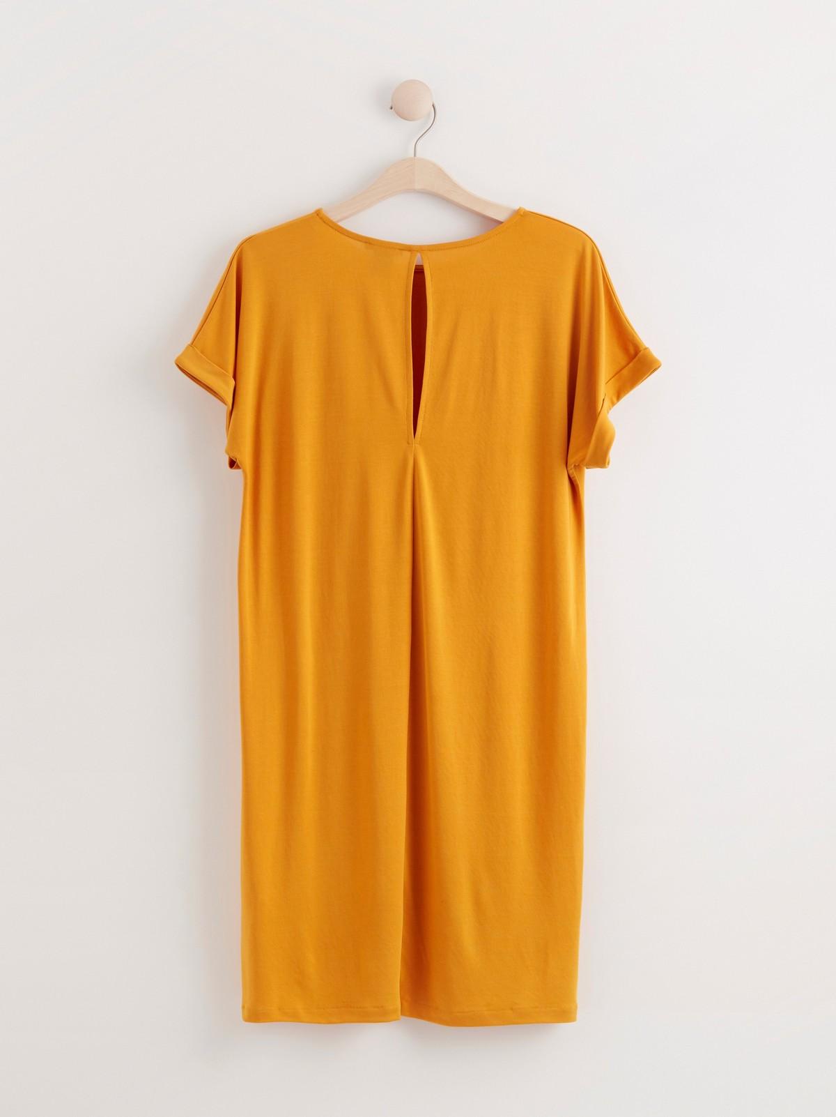 Kortermet t skjortekjole med åpning bak | Lindex