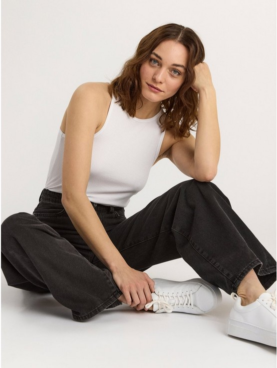 jeans med fickor på benen dam