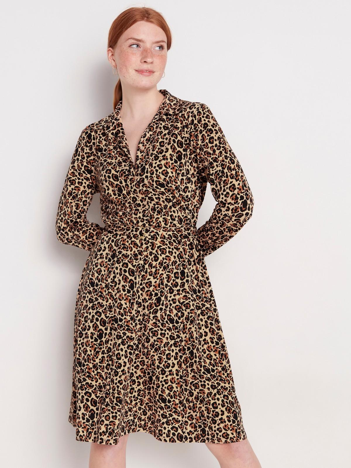 Skjortklänning med leopardmönster   Lindex