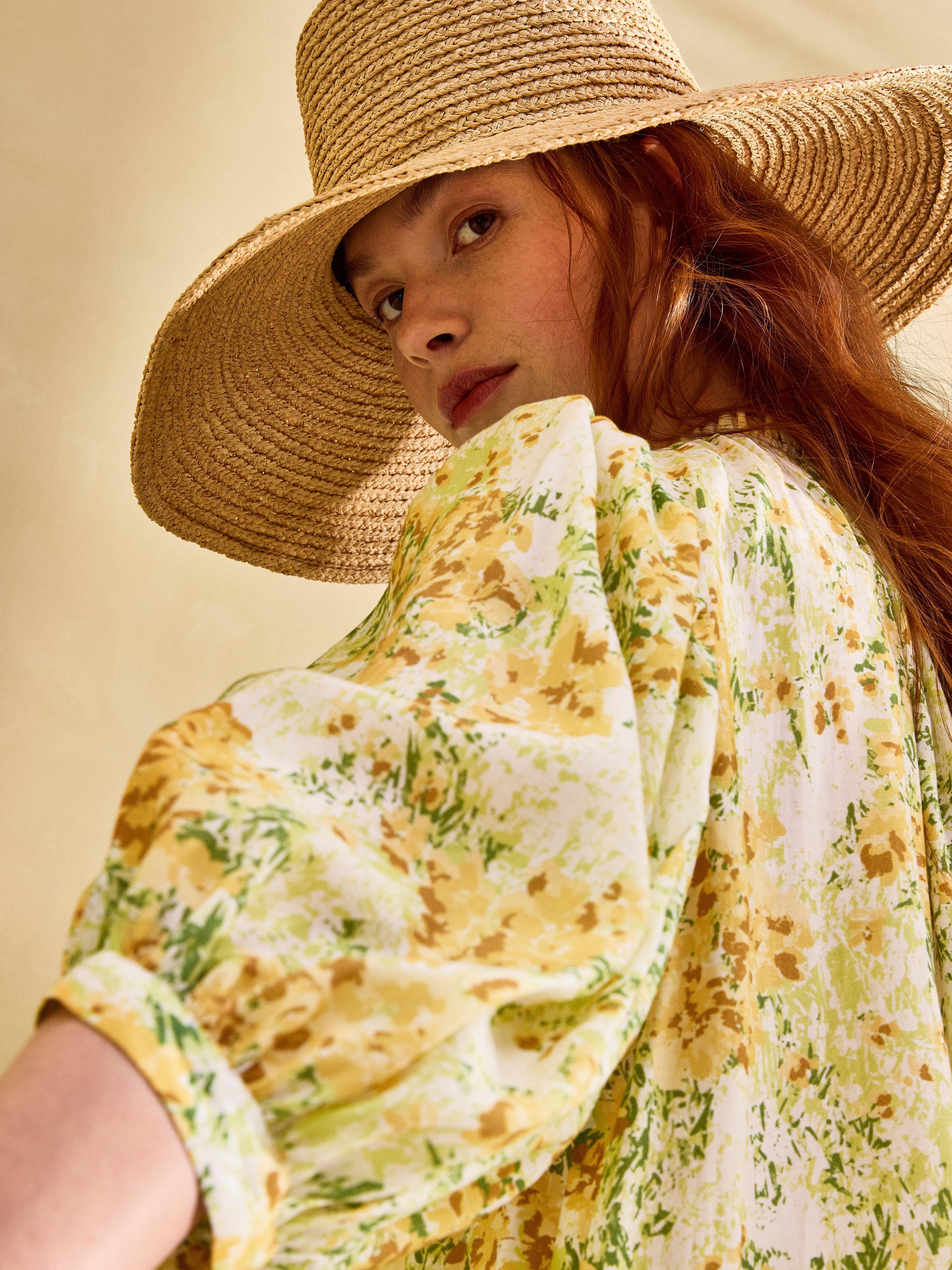 Kuvioitu puhvihihainen mekko