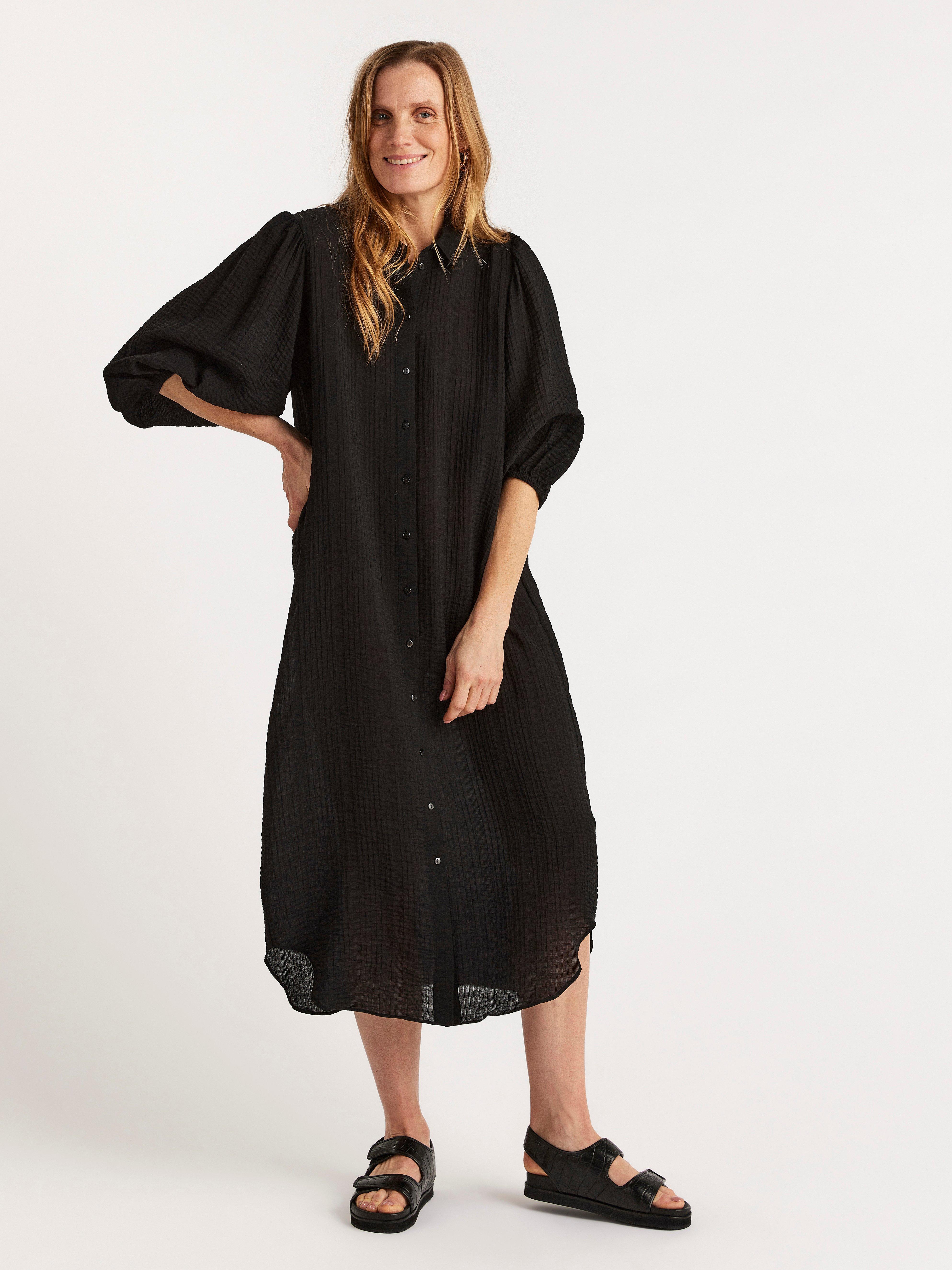 Puhvihihainen mekko