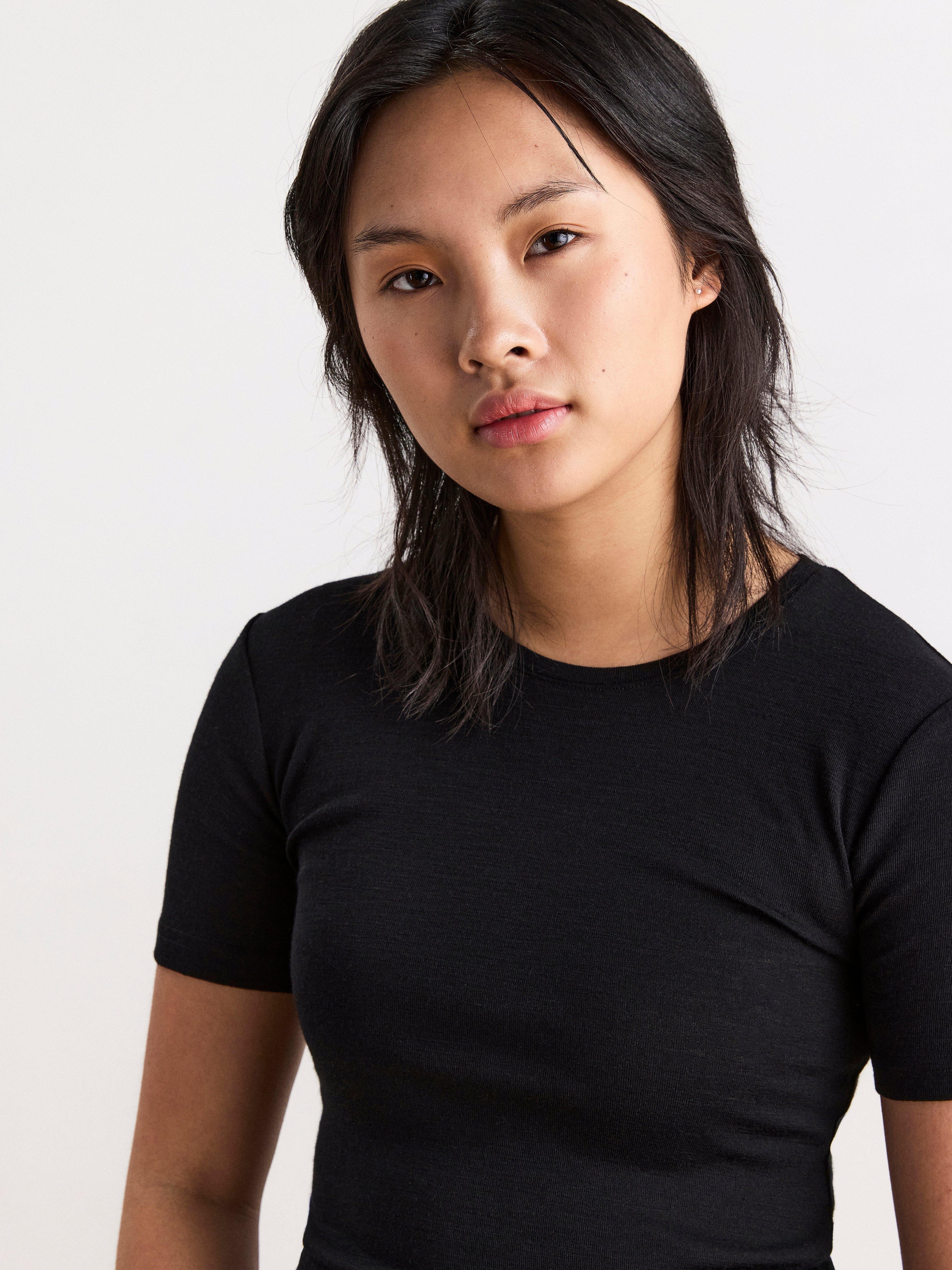 T-paita merinovillaa