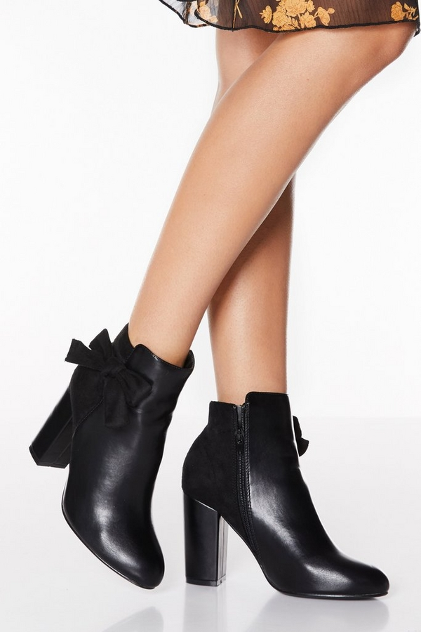 Black Bow Side Block Heel Boots