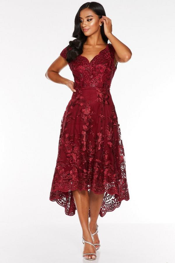 Vestido Petite Cereza Bordado con Bajo Asimétrico