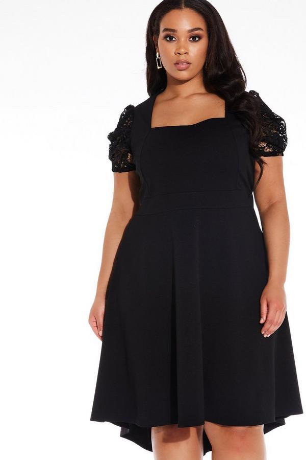Vestido Curve Negro con Bajo Asimétrico y Encaje