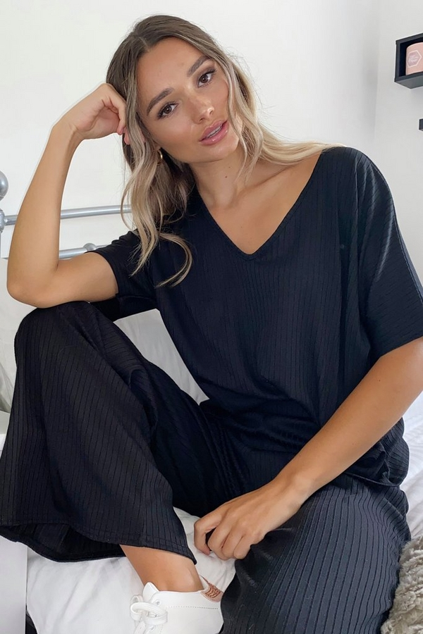 Black Ribbed V Neck Top