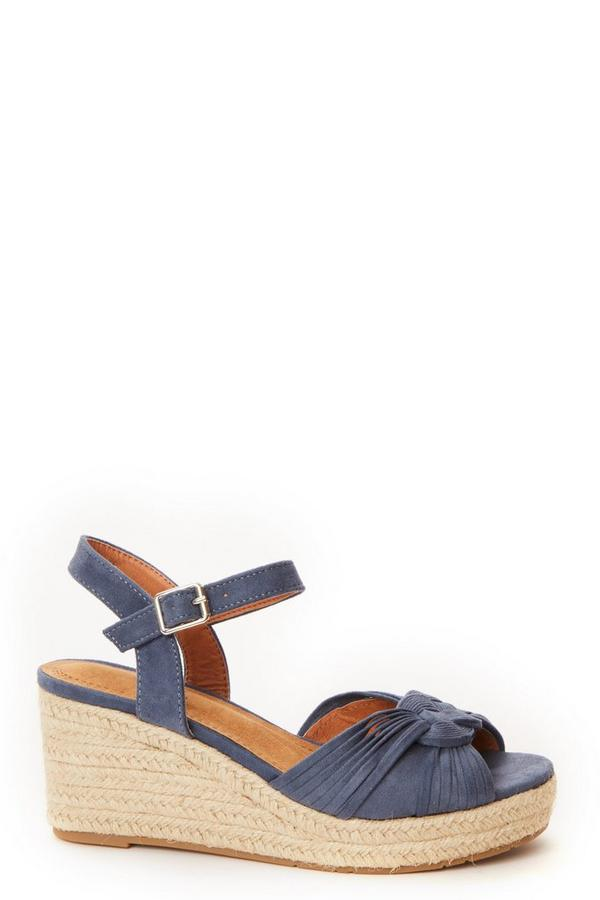 Blue Knot Front Wedges