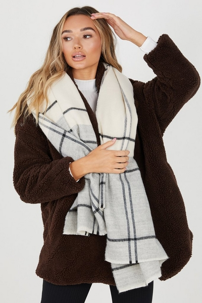 Cream & Grey Check Knitted Scarf