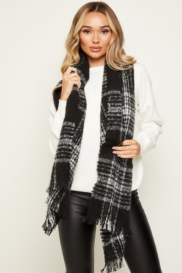 Black Knitted Check Scarf