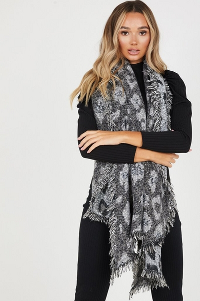 Grey Knitted Leopard Print Scarf