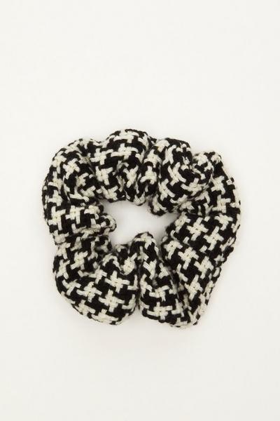 Black Dog Tooth Scrunchie