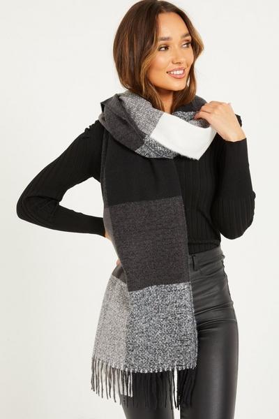 Grey Check Knit Scarf