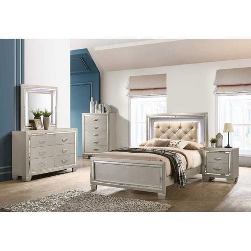 panel bedroom