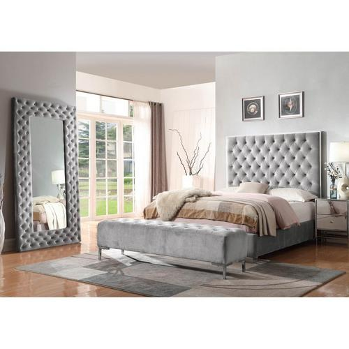 3-Piece Lacey Queen Bed with Bench
