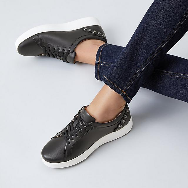 Fitflop classic tennis style black leather shoes with scallop detail