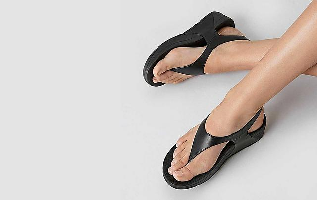 Fitflop Black Toe-Thong Sandals
