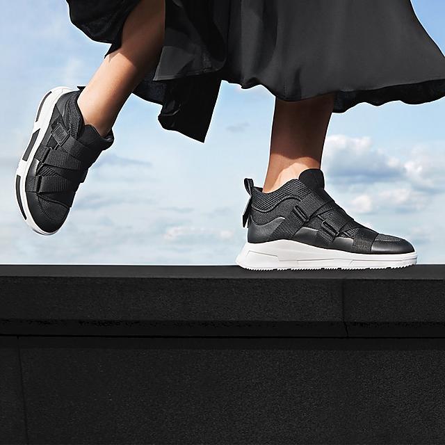 Fitflop Skandi black waterproof hiker style ankle boots