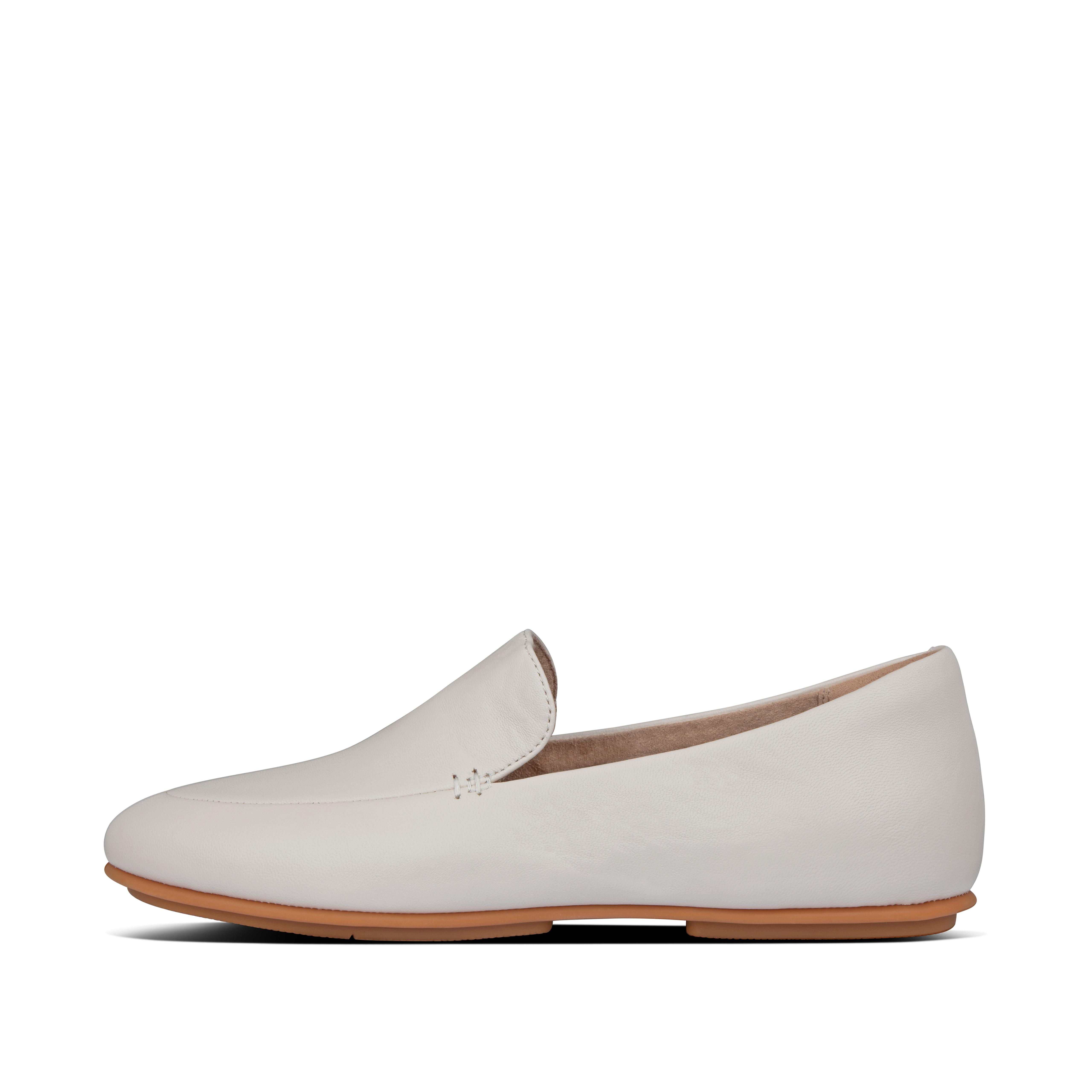 Our Lena loafers are ultimate proof that less is more. Ultra-minimal, light, with an androgynous aesthetic, these\\\'ll add class to every outfit you wear them with. Yet they deliver major comfort and cushioning thanks to their anatomically shaped footbed and our \\\'bouncy\\\' Dynamicush™ tech hidden in a classic \\\'flat sole\\\'. This version crafted in butter-soft leather.