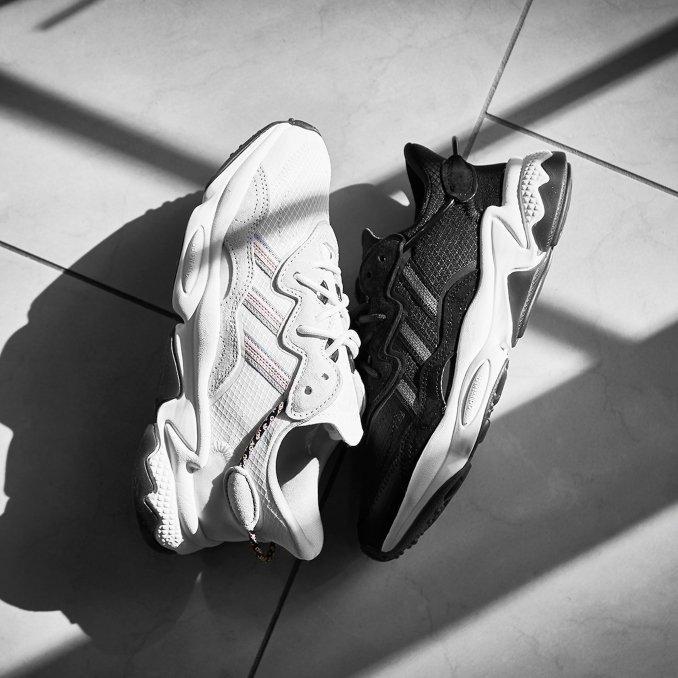 adidas ozweego pretas e brancas