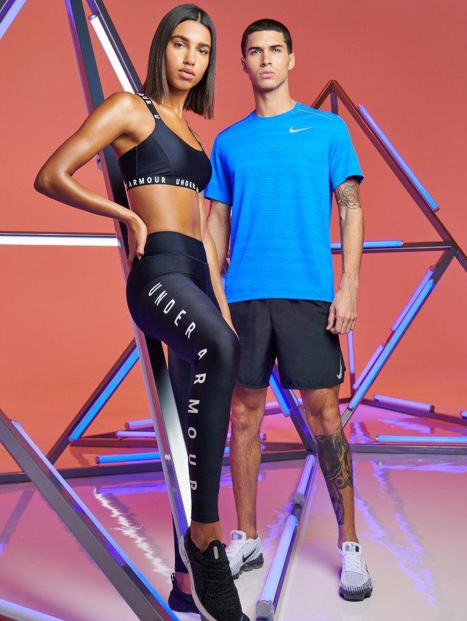 Hombres con ropa deportiva de Under Armour y Nike