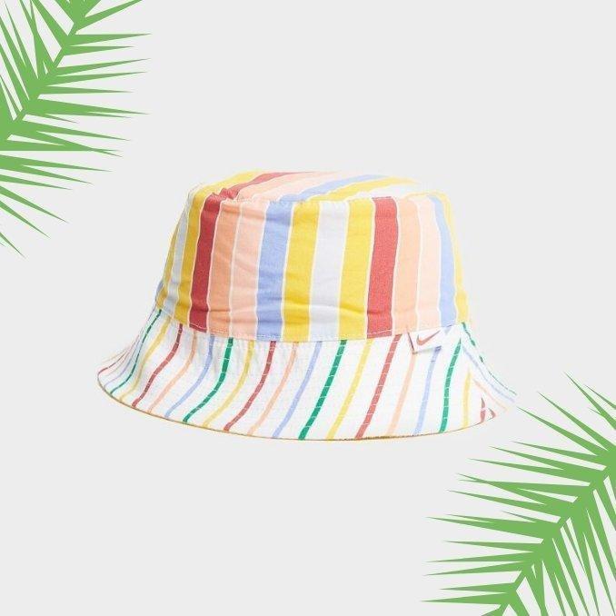 bucket hat blanco con rayas de colores
