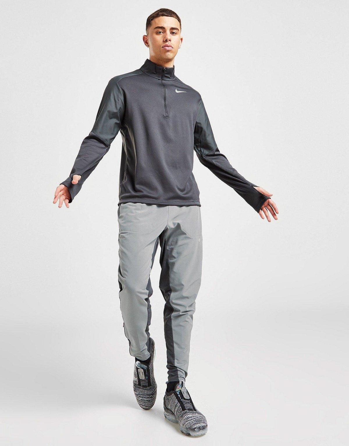 maglia tecnica e pantaloni Nike
