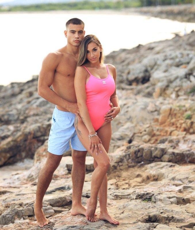 @yuliauson y @nitoo.19 bañadores adidas Originals para mujer y hombre