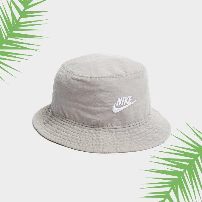 tendencia sombrero pescador marca Nike