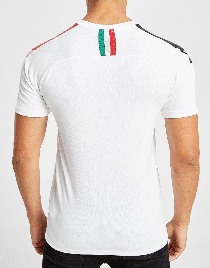 Espalda de la segunda camiseta del AC Milan