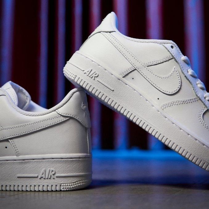 Nike Air Force 1 brancas