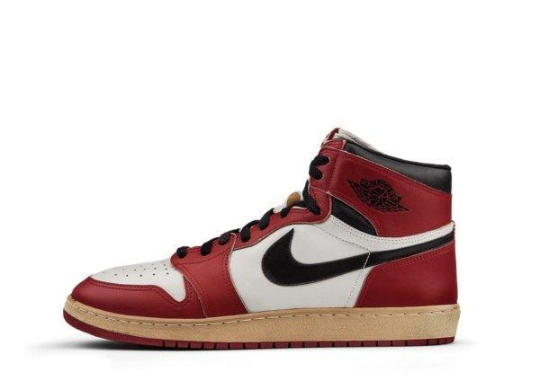 Air Jordan 1 White / Black - Red