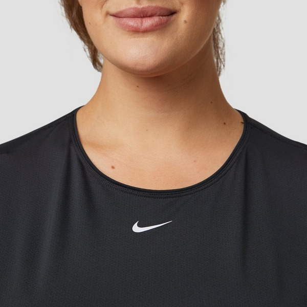 NIKE PRO ALL OVER PLUS SIZE SPORTSHIRT ZWART DAMES