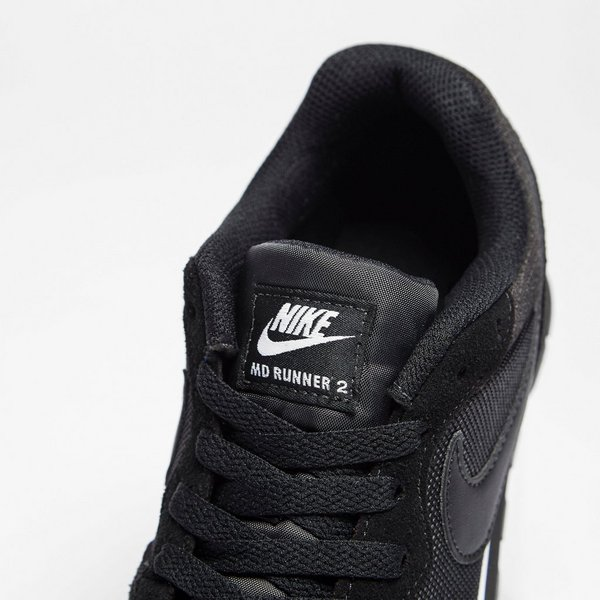 NIKE MD RUNNER 2 SNEAKERS ZWART/WIT DAMES