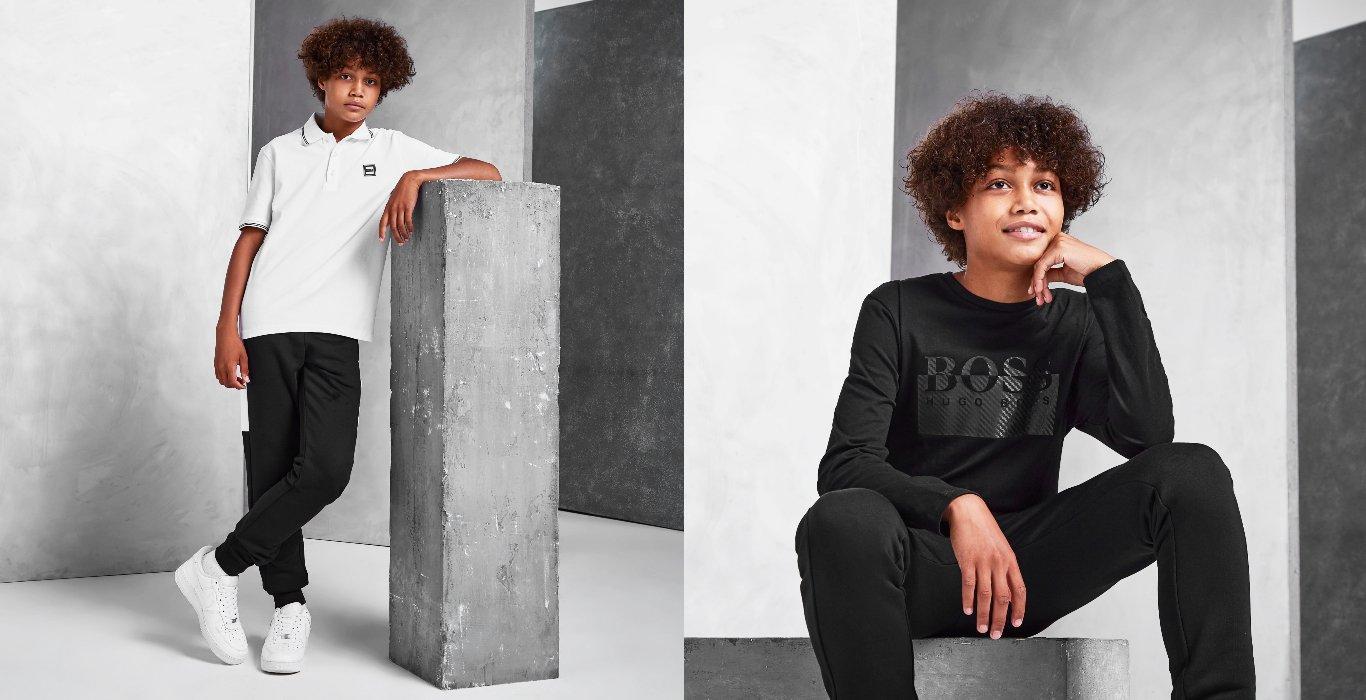 Två bilder på ett barn med BOSS Kids-kläder. Till vänster har hen en vit pikétröja, och till höger har hen en svart sweatshirt och svarta byxor
