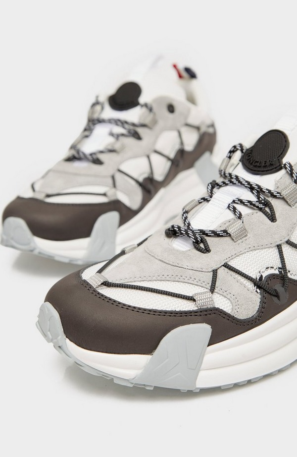 Compassor Low Top Sneaker