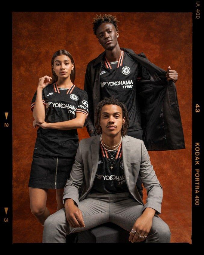 Camiseta de la tercera equipación del Chelsea FC inspirada en los 90