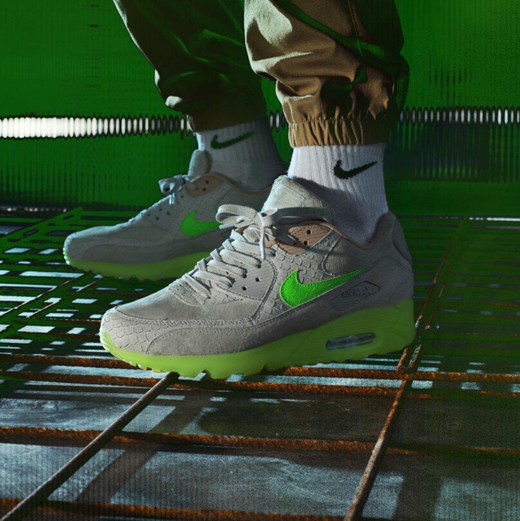 Nike Air Max 90 'New Species'