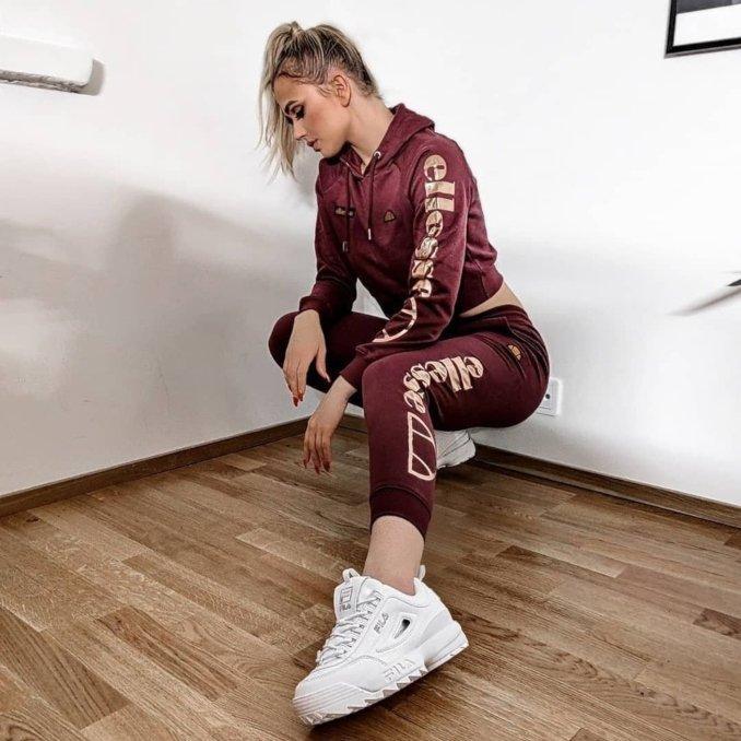 Outfit con Fila Disruptor