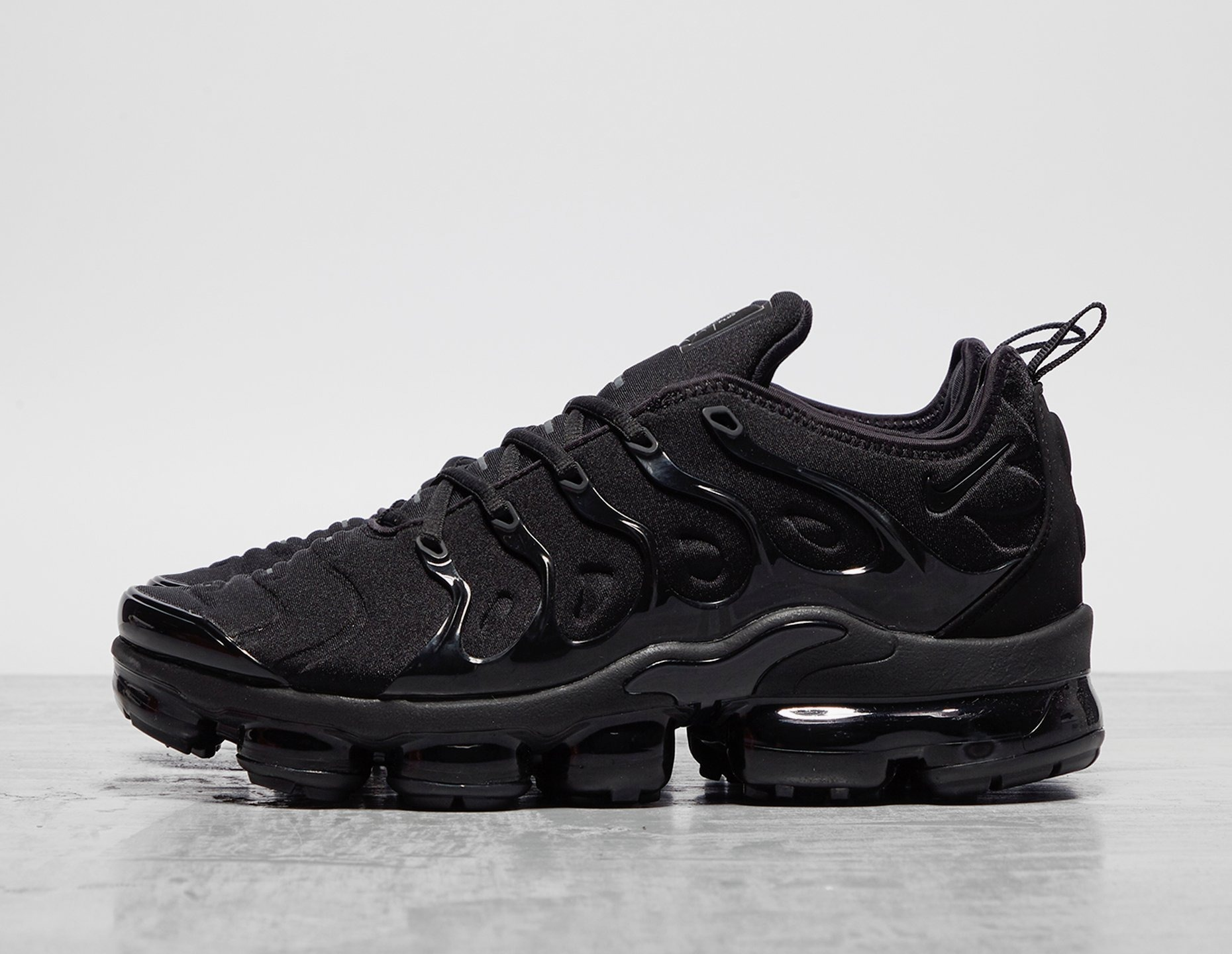 Black Nike Air VaporMax Plus | Ietp