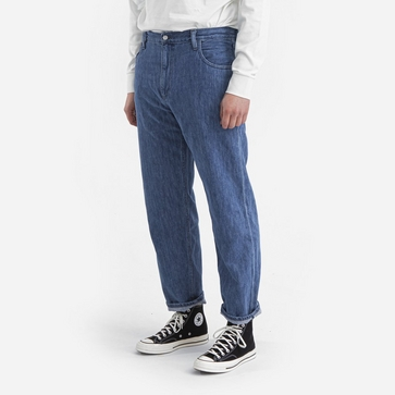 non Relaxed Mid Rise Washed Jeans