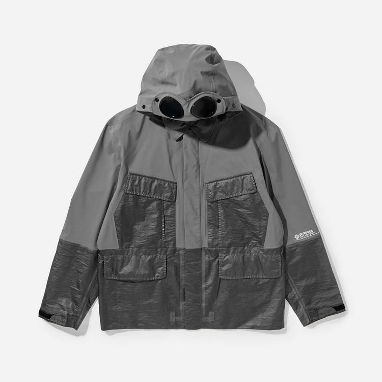 CP Company GORE-TEX Infinium Detachable Goggle Jacket