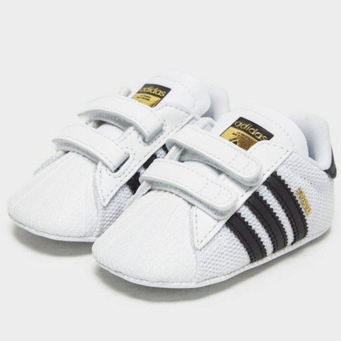 adidas Originals Superstar Crib neonato