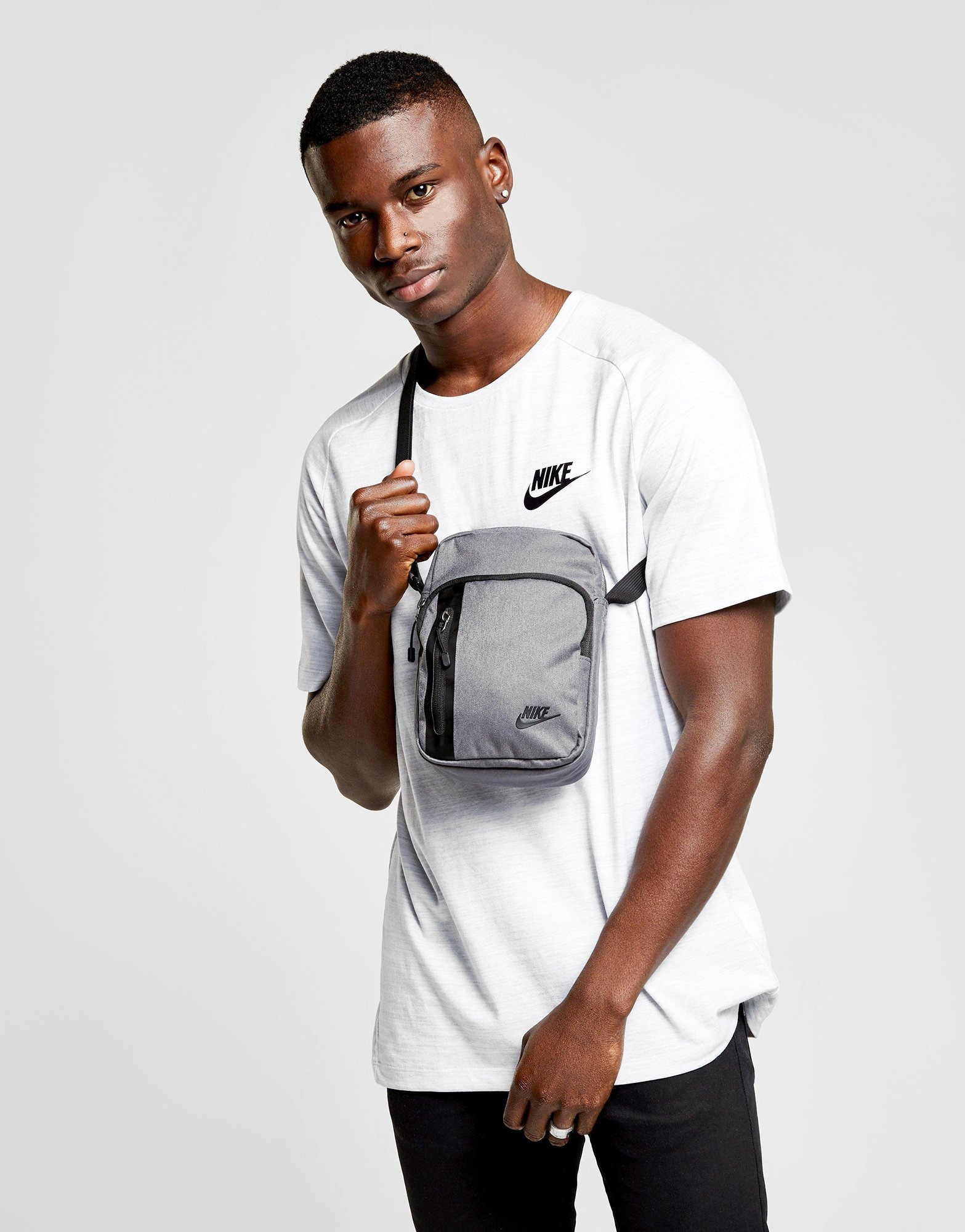 Nike Core Small Crossbody Bag grey 50% off!